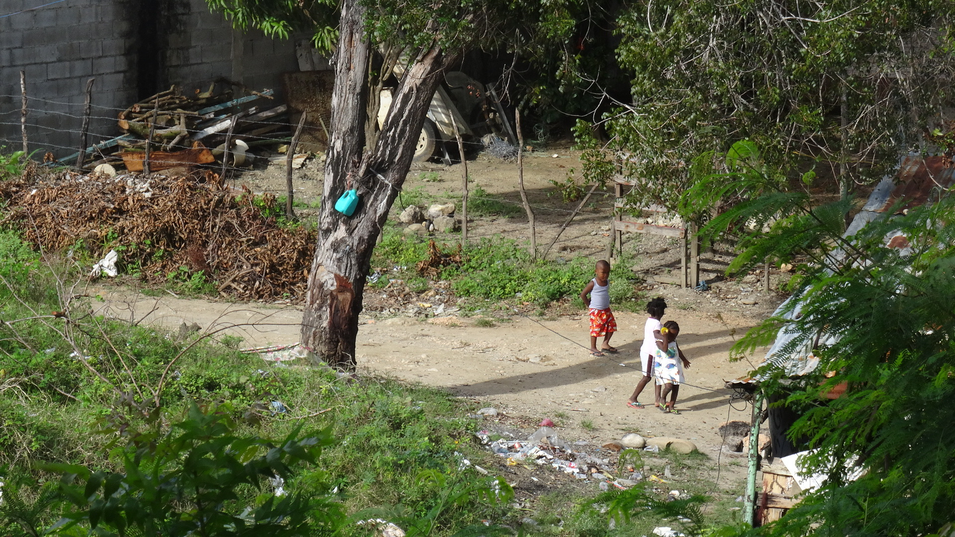 4. Children at play, Luperon