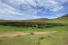 15.-The-inner-lagoon-with-moai-on-the-hillside