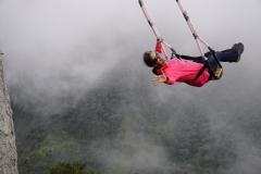17. Banos swinging