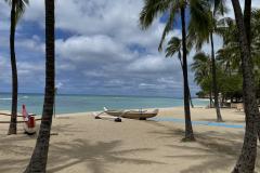 2.-Empty-Waikiki-Beach-due-to-covid-restrictions