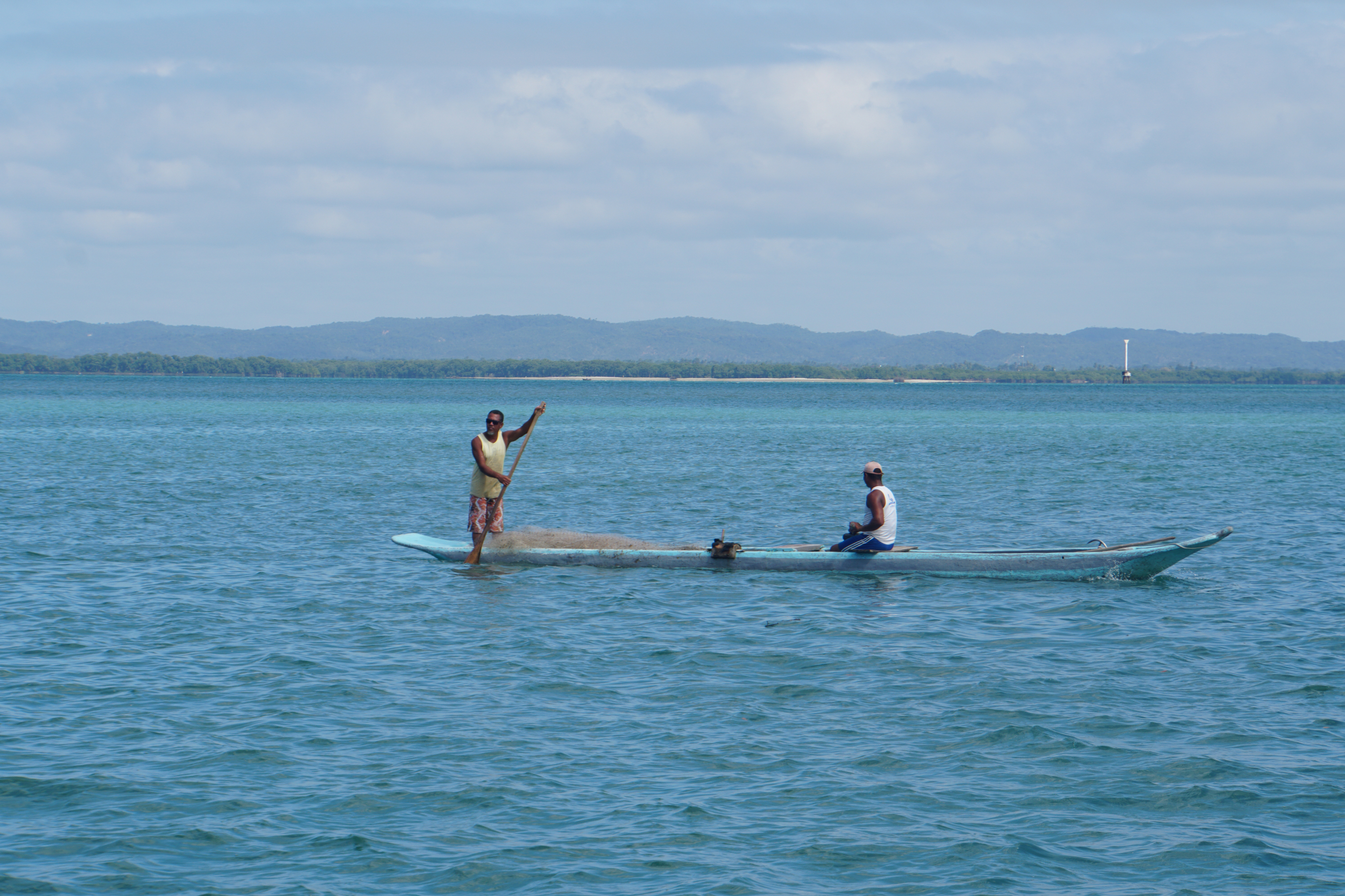 36. Fisherman going out Itaparica