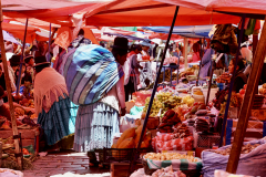 11.-Market-day-note-indigenous-clothing