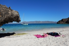 25. Relaxing day at Isla Coyote, Bahia Concepcion
