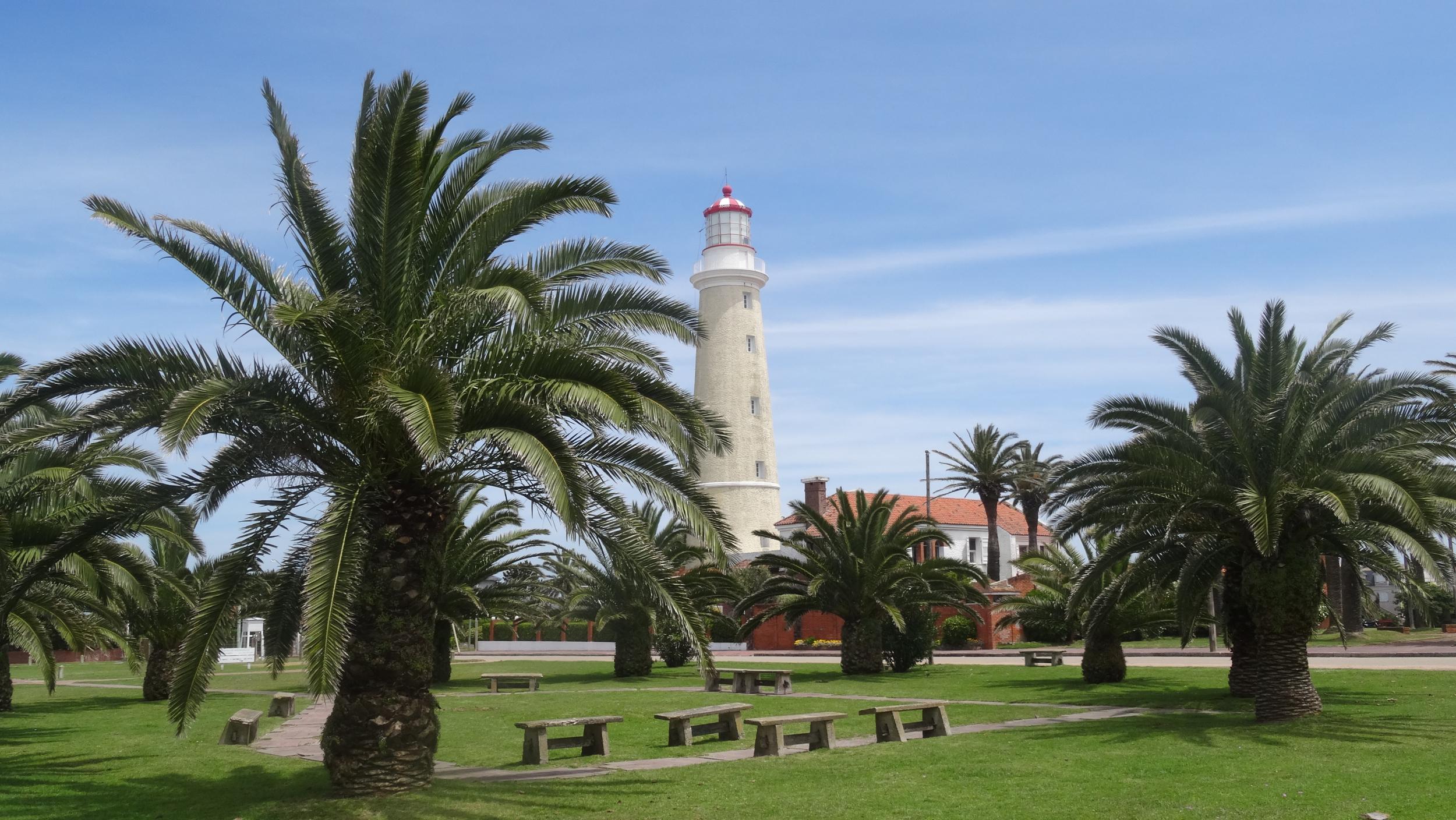 1.-Lighthouse-at-Punta-del-Este.jpg